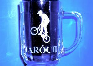 garvírovaný pivný pohár s prezivkou - dar k narodeninám