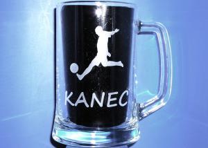pohár na pivo ako darček pre futbalistov