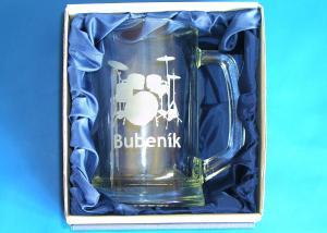 Pivný pollitrák v dárčekovom balení pre bubeníka